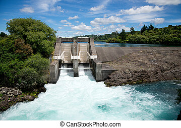Aratiatia Rapids dam on Waikato river opened with water ...