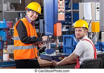 arbeider, fabriekshal, supervisor, werkplaats
