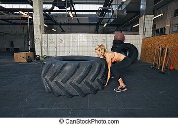 arbeitende , ermüden, athlet, leicht schlagen, während, weibliche , heraus
