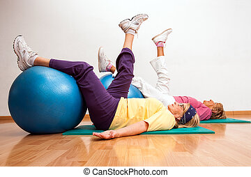 arbeitende , fitness, älter, heraus, balls., frauen