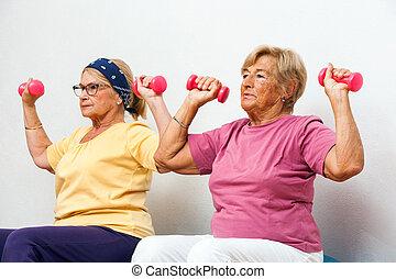arbeitende , mädels, weibliche , fitness, älter, heraus, weights.