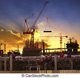 arbeiter, arbeitende , in, hoch, bauen konstruktion,...