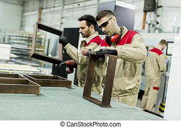 arbeiter, in, der, möbel, fabrik