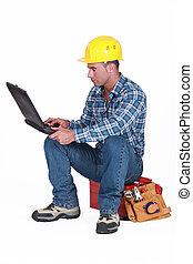arbeiter, notizbuch, werkzeugkasten, sitzen
