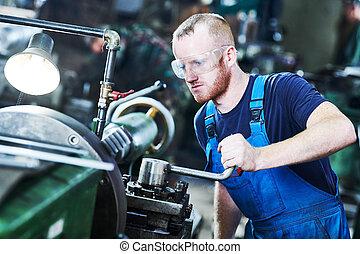 arbeiter, turner, betrieb, drehbank, maschine, an, industrie, fertigungsverfahren, fabrik