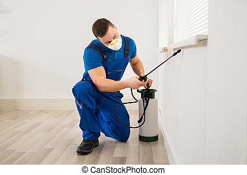 arbetare, besprutning, insektsmedel, på, fönster, hörna