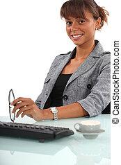 arbetare, kvinnlig, ämbete skrivbord