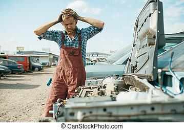 arbeten, skrotupplag, manlig, repairman, ilsket, bil