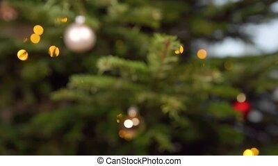 arbre noël argenté, balle verre