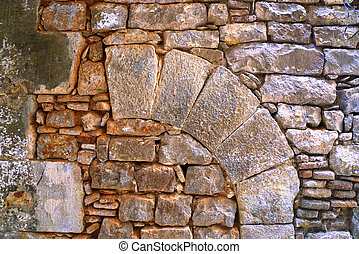 arc at the stone wall