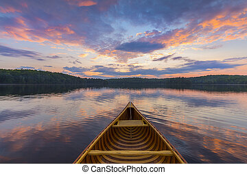 arc, de, a, cèdre, canoë, sur, a, lac, à, coucher soleil, -, ontario, canada