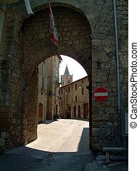 arch into Sarteano