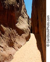 Arches Passageway - A passageway between two sandstone fins...