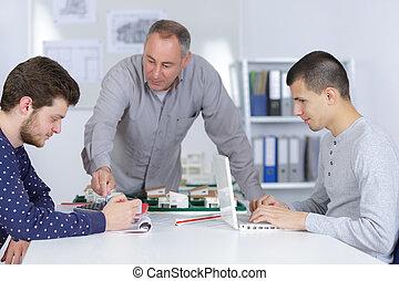architect, student, werkende , met, leraar