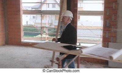 architect, vergadering, klanten, in, gebouw stek, te kopen, nieuw huis