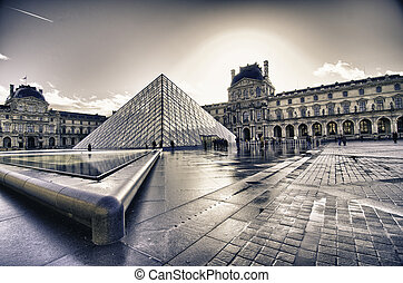 Architectural Structure of Louvre Exterior