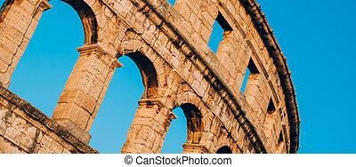 Architecture details of the Roman amphitheatre in Pula, ...
