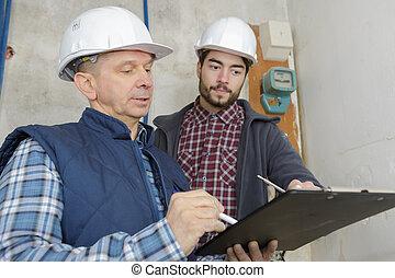 architecture, et, rénovation du logement, ouvrier, discuter