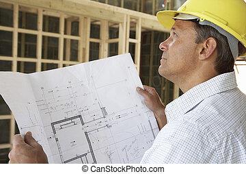 architekt, mit, pläne, in, neues heim