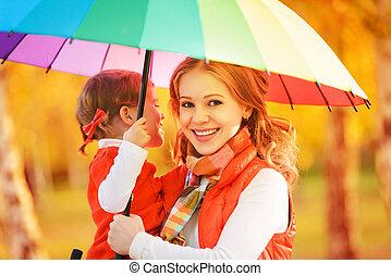 arco íris, filha, colorido, família, criança, chuva, sob, mum, guarda-chuva, feliz