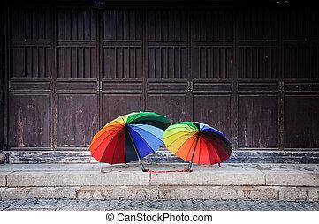 arco íris, guarda-chuvas, em, a, cidade velha, de, suzhou, china