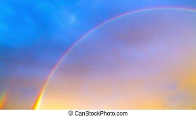arco íris, ligado, céu azul, tempo-lapso