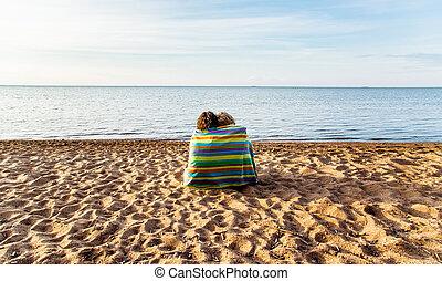arco íris, par, toalha praia, sob
