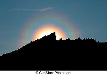 arco irirs, coloreado, halo, montaña