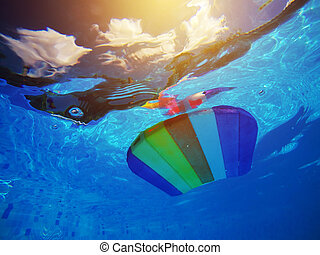 arco irirs, patrón, agua, tabla, poolside, flotar, styrofoam, natación