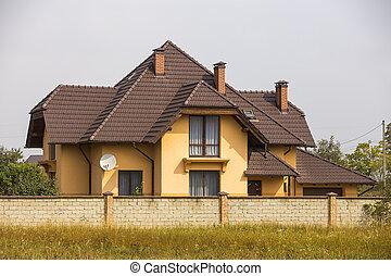 area., suburbain, moderne, house., mur, confortable, toit, plat, investissement, parfait, résidentiel, clôturé, escarpé, nouveau, satellite, two-storied, petite maison, stuc, pierre, yard, bardeau, calme, rêve