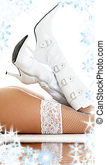 arena, piernas, botas blancas