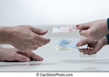 argent donnant, gros plan