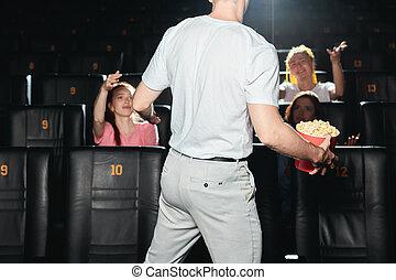 argument, jeune, audience, tenue, pop-corn, avoir, homme