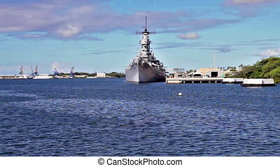 Arizona memorial Battleship Missouri - Battleship Missouri...
