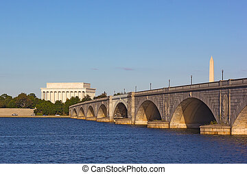 Arlington Memorial Bridge - Major landmarks of Washington...