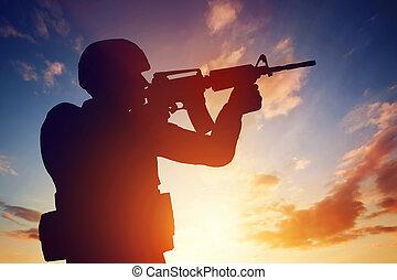 armée, sien, soldat, guerre, military., fusil, tir, sunset.