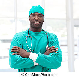 armen, mannelijke , amerikaan, afrikaan, chirurg, ineengevouwen