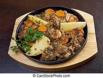 Armenian lamb stew - kchuch - lamb stew with...
