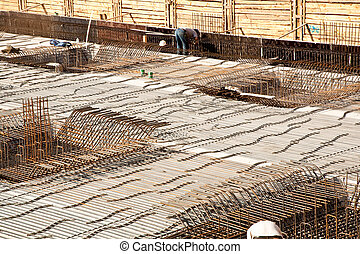 Armoring at the building site to stabilize the fundament