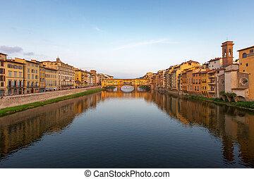 arno rzeka, i, ponte vecchio, w, florencja