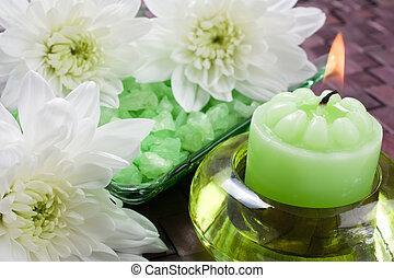 Aroma candle, bath salt for aromatherapy