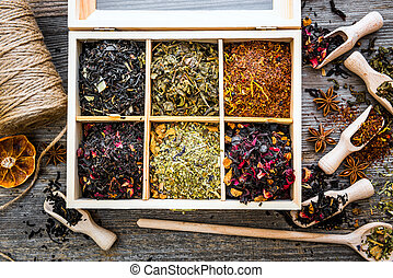 dry teas in wooden box