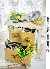 Aromatic linden tea with honey