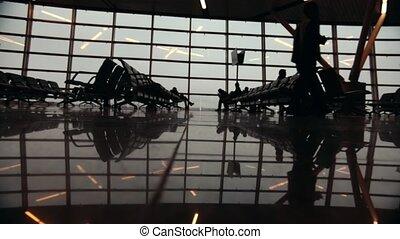 around., marche, gens, voyageurs, silhouettes, terminal., aéroport, international