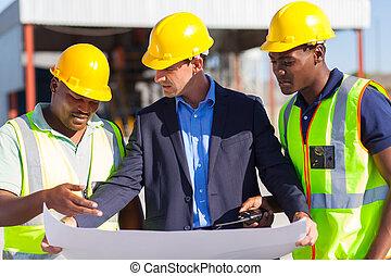 arquitecto, y, trabajadores construcción, en, interpretación el sitio