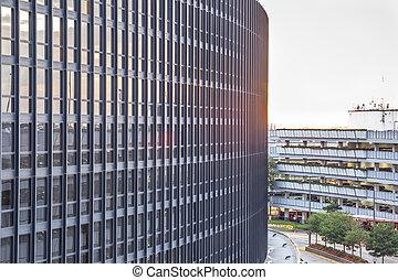 arquitectura moderna, en, sunset.