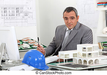 arquiteta, em, escritório, cercado, por, planos