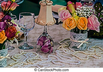 Arrangement for a romantic dinner 7