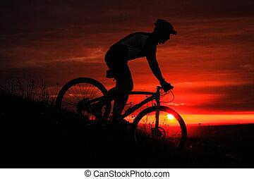 arrière-plan., motard, silhouette, vélo, coucher soleil