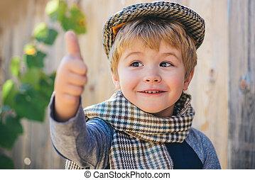 arriba., niño, poco, vendimia, actuación, caballero, arriba, gesture., pulgares, retrato, feliz, style., emotions.